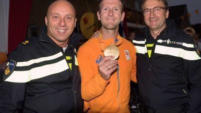 Politie trots op gouden plak collega Teun Mulder