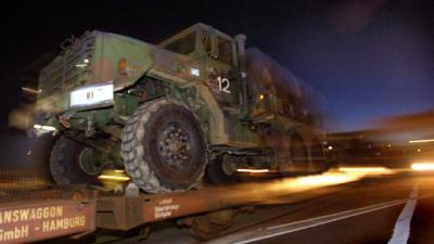 Eerste wapentransport met Amerikaans militair materieel in Duitsland aangekomen