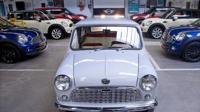 Foto van 54 jaar oude gerestaureerde Mini | Mini/VDL Nedcar
