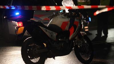 Politie onderzoekt mogelijke mishandeling man door tweetal op motor