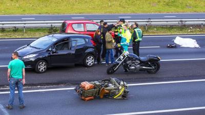 Motorrijder komt om bij ongeval op A50