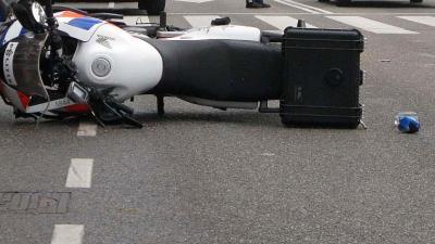 Motorrijder politie ernstig gewond bij verkeersincident A15 Rotterdam
