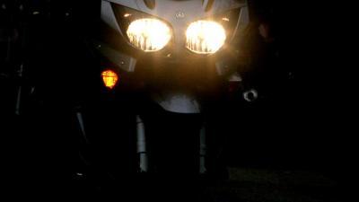 Motorrijder ernstig gewond na rijden tegen slagboom A6 Muiden
