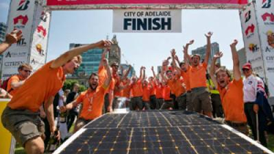 Nuon Solar Team wereldkampioen zonneracen in Australië