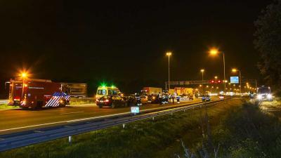 Snelweg A58 dicht na ongeval met 5 voertuigen