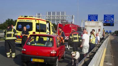 Foto van botsing op snelweg | Sander van Gils | www.persburosandervangils.nl