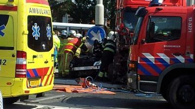 Foto van aanrijding vrachtwagen personenauto Aalsmeer   Miranda van der Sloot