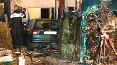 Automobilist aangehouden voor rammen huizen in Wildervank