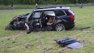 Kinderen komen met de schrik vrij na crash met auto