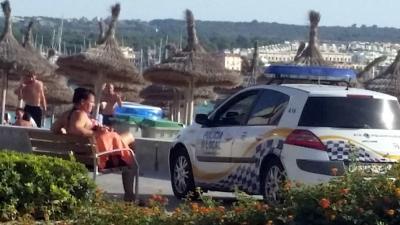Meer plaatsen in Costa del Sol willen af van ontblote bovenlijven