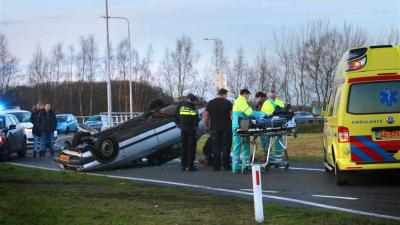 Auto over de kop in Gieten