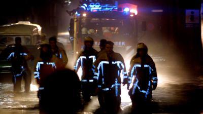 overstroming-brandweermannen