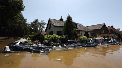 overstroming-zandzakken-woning