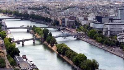 Duizenden Fransen geëvacueerd vanwege het vele water