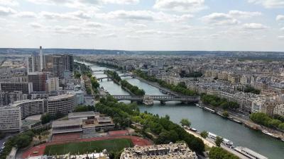 Overstromingen treffen Parijs