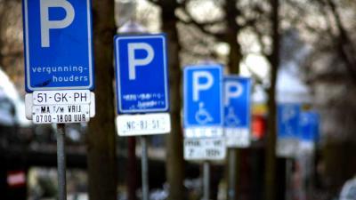 Amsterdam en TomTom gaan samen doorstroming en parkeren verbeteren