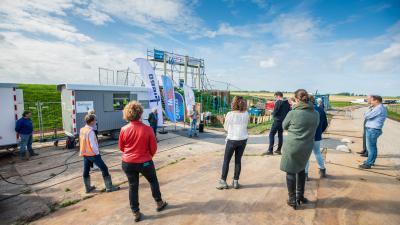 Wetterskip Fryslân onderzoekt zanderosie onder dijk aan Friese Waddenzeekust