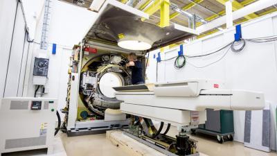 Philips opent nieuwe fabriek in Best voor revisie medische apparaten