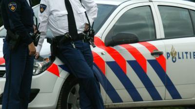 Agenten redden vrouw van verstikkingsdood