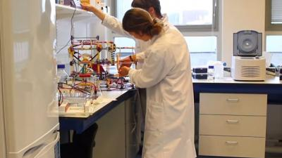 Studententeam TU Delft in de prijzen met bacterieprinter