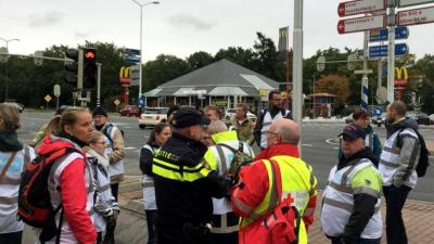Rode Kruis team helpt mee tijdens zoektocht naar Anne Faber