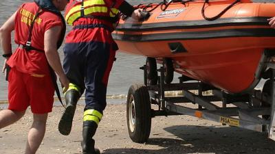 Leden Reddingsbrigade moesten zelf worden gered op zee