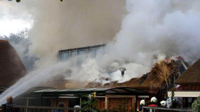 Brand in rietgedekte schuur in Drentse Valthe