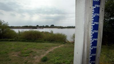 Verhoogde waterstanden Rijn na hevige regenval in Duitsland