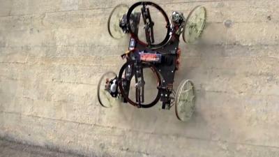 Robotwagentje kan verticaal tegen een muur oprijden