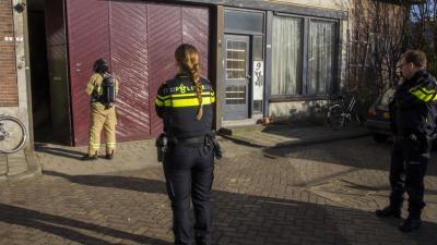 Brandweer onderzoekt rookontwikkeling woning Schiedam