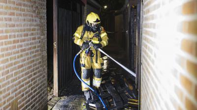 Brandweerman  blust schutting