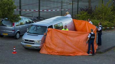 Foto van dodelijke schietpartij Spijkenisse   Flashphoto   www.flashphoto.nl