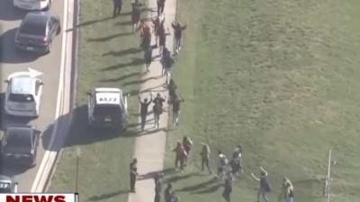 17 doden en vele gewonden bij schietpartij op school VS