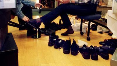 foto van schoen poetsen   fbf