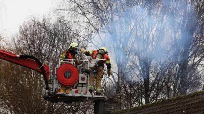 schoorsteen-brand-brandweer-hoogwerker