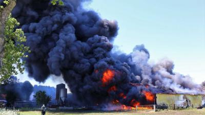Grote brand in Gieten bij agrarisch bedrijf