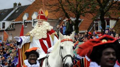 Foto van intocht Sinterklaas en Zwarte Pieten | Paul Groeneveld | www.fotopersbureau.eu
