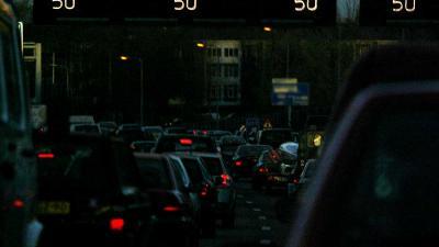 Fatale aanrijding voetganger (60) met vrachtwagen op snelweg