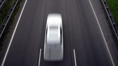 Bankstel op A15 zorgt voor beschadigde auto's
