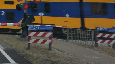 Vier doden en twee zwaargewonden bij ongeluk met trein en bakfiets in Oss