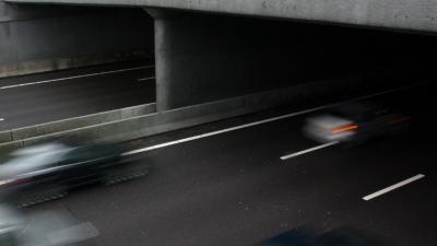 Auto's op A73 geraakt door stenen