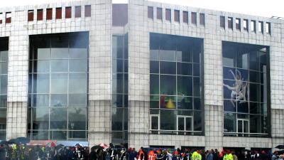 Amsterdam bouwt begane grond Stopera om tot markthal