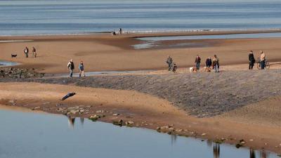 strand-zee-zon-dagjesmensen