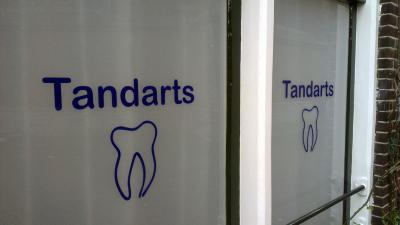 Lager opgeleiden bezoeken minder vaak de tandarts