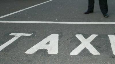 Amsterdamse taxichauffeurs beramen een aanslag op het hoofdkantoor van Uber