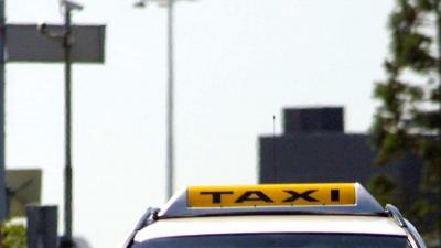 taxi-schiphol-daklicht
