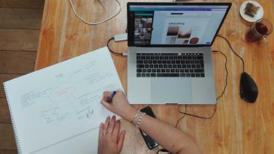thuis-werken-laptop