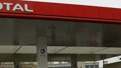 Dak tankstation ingestort