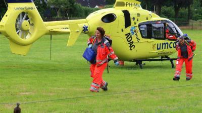 Traumaheli en twee ambulances ingezet na wespensteek