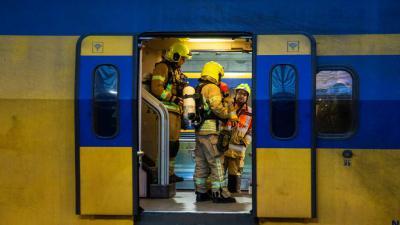 Brand in trein op station Rotterdam Centraal in Rotterdam